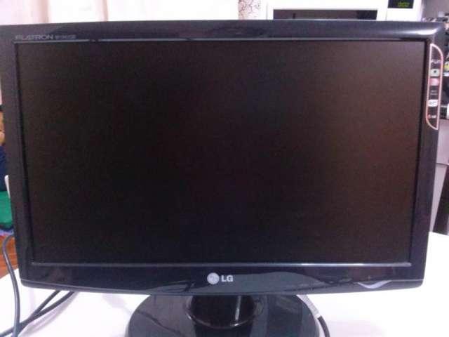 Monitor lg flatron 18.5 excelente estado/c/nuevoin/cables
