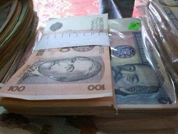 Billetes intis antiguos para conteo