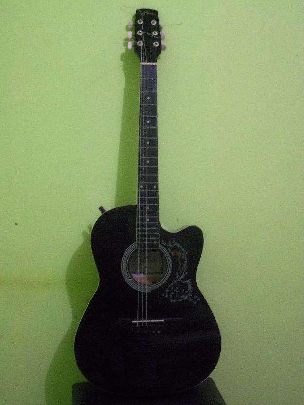 Guitarra electroacústica california