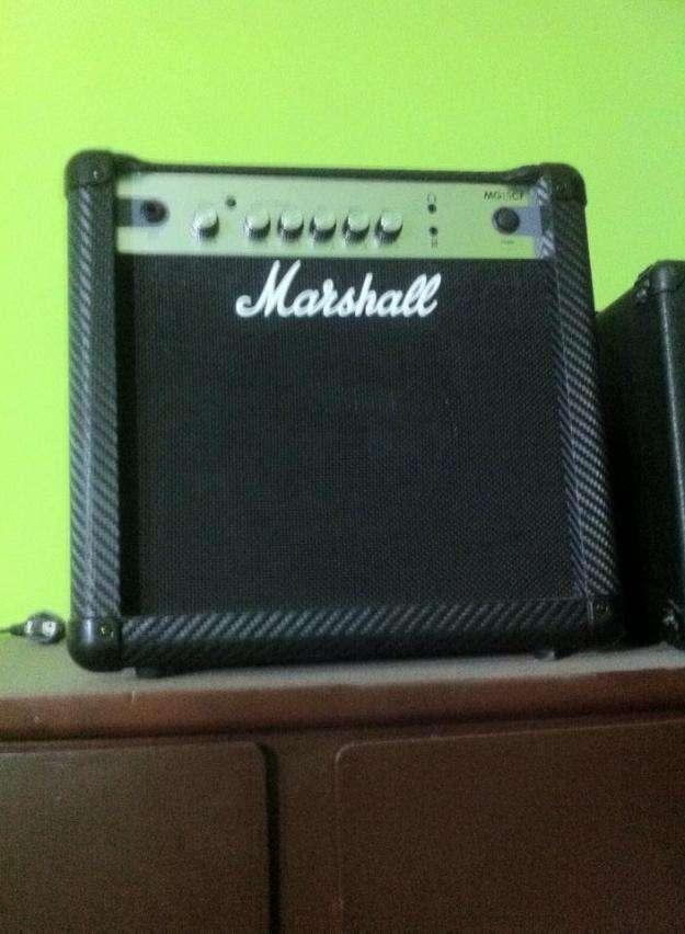 Vendo ampli de guitarra marshall mg15 100 nuevo