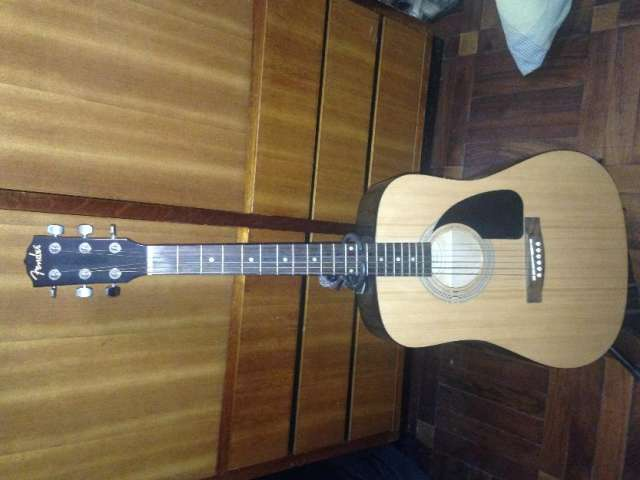 Vendo guitarra fender fa100