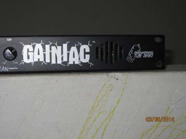 Vendo o cambio rocktron gainiac distorcion de tubo no boss korg zoom line 6