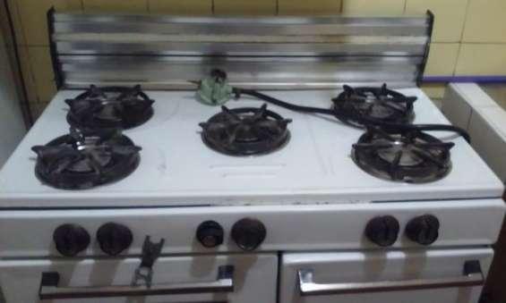 Vendo linda cocina grande usada en buen estado marca inresa