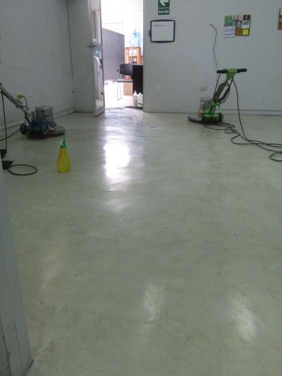 Mismos pisos recuperados y con brillo (cristalizado)