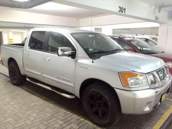 Nissan titan 2012 v8 24,900$