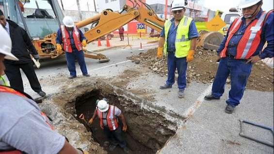 Excavaciones para tendido de redes agua desague