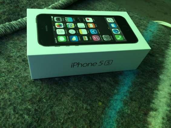 Se vende un iphone 5s de 16 gb