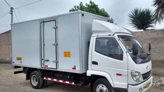 Venta de camión con poco uso.