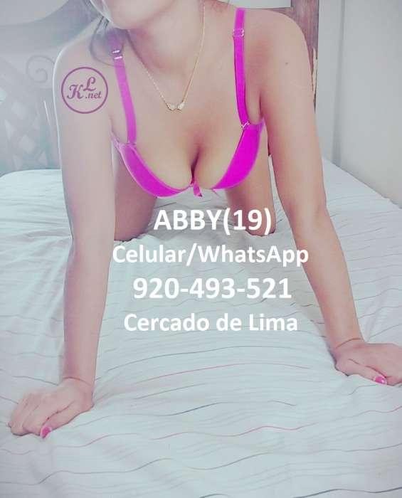Abby señorita de 19 añitos busco caballero en lima