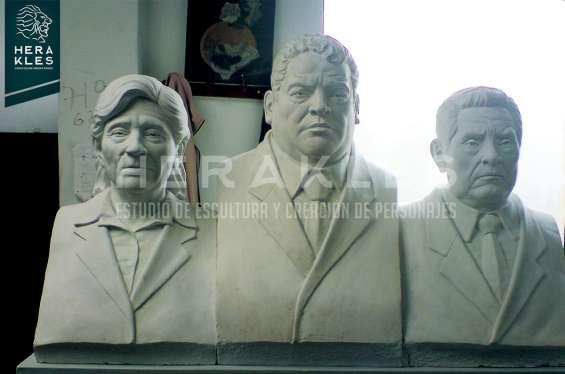 Fotos de Esculturas en bronce, resina poliester. 18