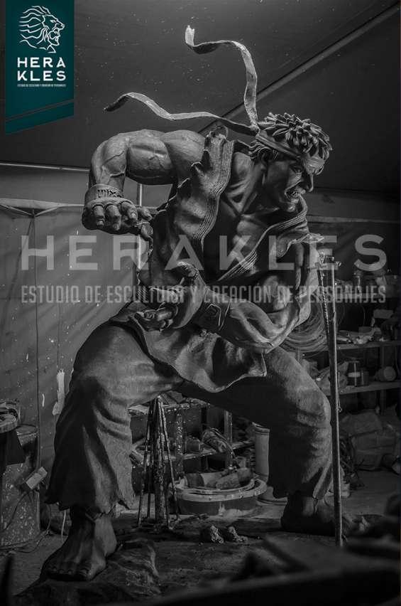 Fotos de Esculturas en bronce, resina poliester. 7