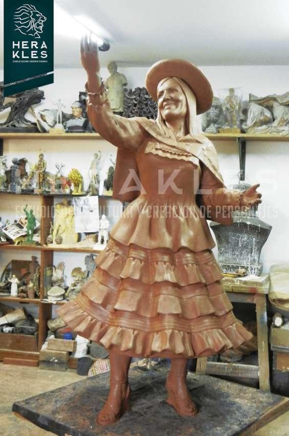 Fotos de Esculturas en bronce, resina poliester. 13
