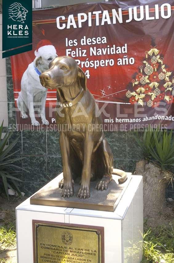 Fotos de Esculturas en bronce, resina poliester. 10