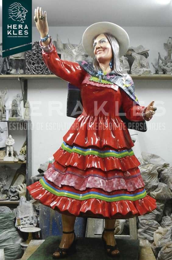 Fotos de Esculturas en bronce, resina poliester. 15