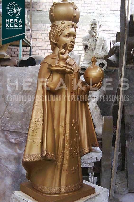 Fotos de Esculturas en bronce, resina poliester. 9