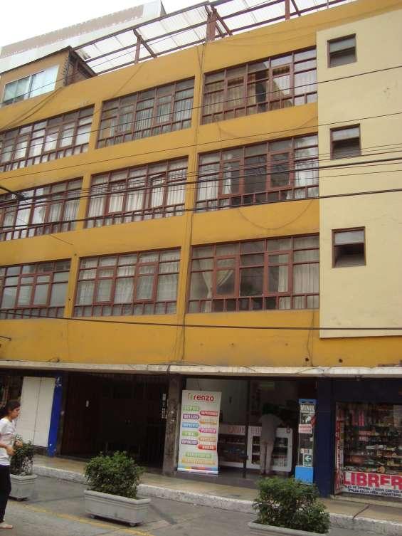 Departamento en eje turístico, residencial, comercial miraflores zona residencial con 4to