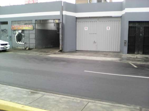 Local comercial 450 m2