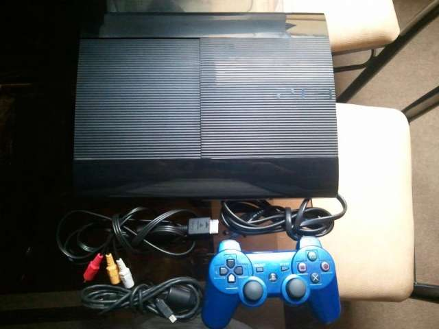 Ocasion play station 3 ultraslim 12gb seminuevo