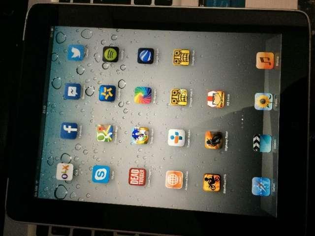 Ipad 1 de 64gb wifi 3g claro/movistar cambio por iphone 4, galaxy s3, sony xperia, etc