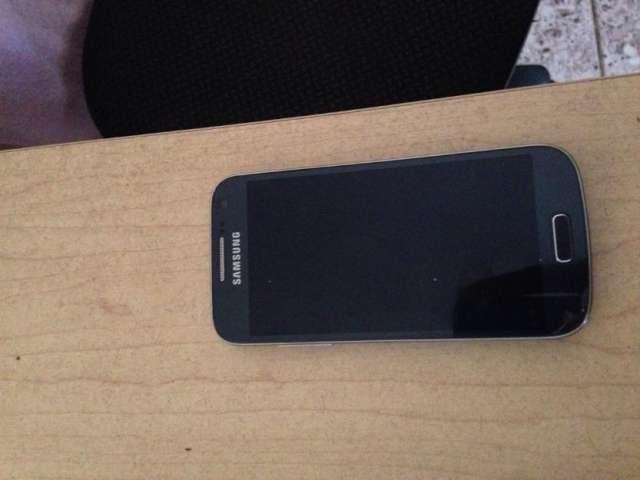 Vendo celular mini galaxy lte red 4g de claro