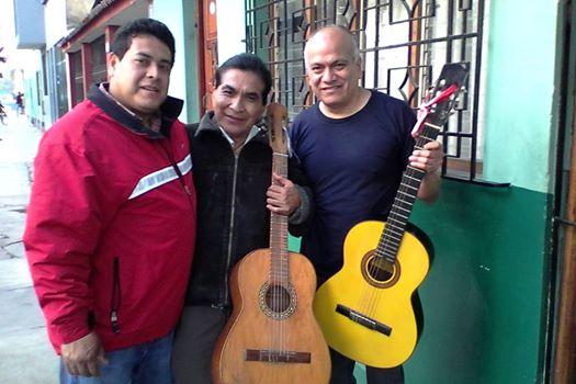 """Se da serenatas- duo de musica romantica """"jose y miguel"""""""
