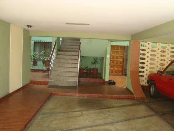 Departamento en 1er piso san borja - avda san borja norte, con estacionamiento